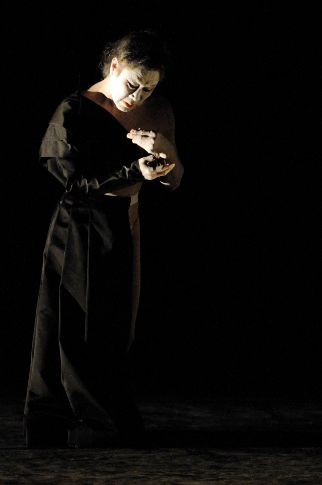 TADASHI ENDO THE MAMU DANCE THEATRE INTER.SEX    -   BUTOH-TANZ-THEATER 26./27.9.2009 / Junges Theater Gšttingen